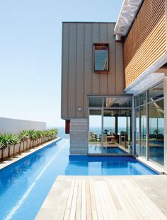 House in Australia with an infinity lap pool