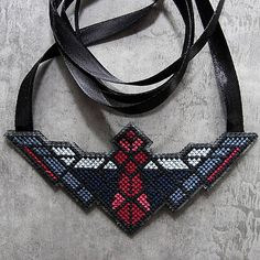 quappe / cross Bright Ideas, Beadwork, Crochet Necklace, Embroidery, Clothes, Jewelry, Fashion, Outfits, Moda