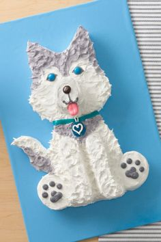 Husky Dog Cake Don't call him fat — he's just a little Husky! Let this lovable lad join your pack to celebrate at your next party. Print this handy cake template to make cutting out the pieces a snap. Dog Cakes, Cupcake Cakes, Cupcakes, Dog Cake Recipes, Baking Recipes, Little Husky, Puppy Cake, Doggie Cake, Betty Crocker