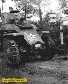 1. felderítő -zászlóalj járműve menetben. Sajnos a helyszínek nem olvashatóak le pontosan az útirányt jelző táblákról. Defence Force, Ww2 Tanks, Photo Dump, Bratislava, Armored Vehicles, War Machine, Military History, World War Ii, Romania