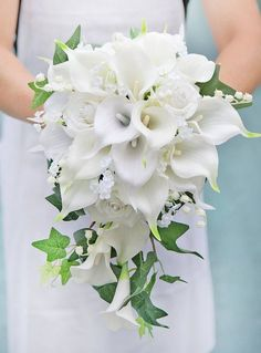 Wedding Flower Bouquet made of Natural Touch Off White Calla Lilies and Roses, accented with Ivy and Fillers. Perfect for Bride or Bridesmaids. - Elegant Bouquet made with Off White Calla Lilies Hand Bouquet Wedding, Cascading Wedding Bouquets, Wedding Flower Guide, Cascade Bouquet, White Wedding Flowers, Wedding Flower Arrangements, Bridal Flowers, Bridal Bouquet White, Wedding Centerpieces