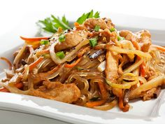 Veg Chopsuey, Asian Recipes, Healthy Recipes, Ethnic Recipes, Free Recipes, Stir Fry Rice, Chicken Recipes Video, Recipe Chicken, Chicken Noodle Recipes
