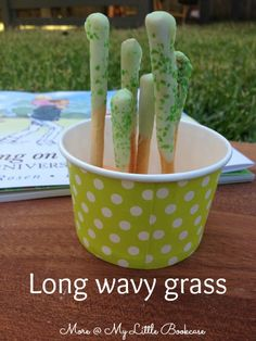 Long Wavy Grass- A Bear Hunt Picnic by My Little Bookcase