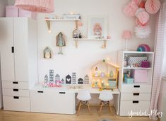 A Scandinavian children's room and a changing unit for the IKEA Hemnes chest of drawers + give-away nordic kidsroom skandinavisches Kinderzimmer IKEA Stuva Hema Wabeball Mädchenzimmer rosa pink Ikea Hemnes Chest Of Drawers, Ikea Kids Room, Ikea Toddler Room, Ikea Nursery, Ikea Childrens Bedroom, Ikea Girls Bedroom, Blush Nursery, Toy Rooms, Kids Room Design
