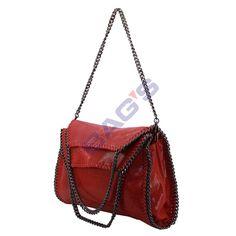 www.newbags.ro - Magazin cu produse doar din piele naturala: posete, genti, serviete, rucsaci, plicuri, borsete, portofele, curele si multe alte produse. Avem transportul gratuit indiferent de valoarea comenzii ! Shoulder Bag, Model, Red, Bags, Fashion, Handbags, Moda, Fashion Styles
