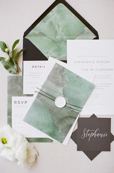 marbled green invitations | Photography: Mint Photography