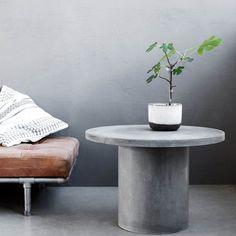 Table basse Gallery en argile et finition béton. Décoration et ameublement design à paris. Colonel shop