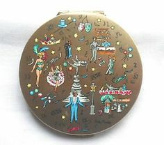 EXCITING 1950s GLAMOUR SCENE - CABERET COMPACT by STRATTON (Signed).