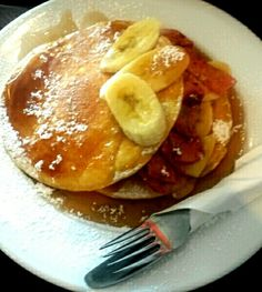 Pancakes with banana bacon and maple syrup from redsky dannevirke 5_10