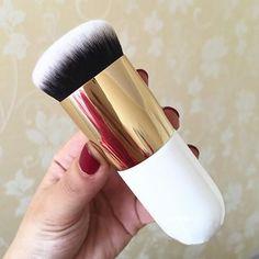 Oversized Foundation Brush  #fun #photooftheday #jj #fashion #igers #makeup #picoftheday #igdaily #followme #savage