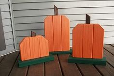 Super cute wood pumpkins. Project for the hubby to make! I will paint!