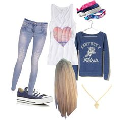 """""""Back 2 School outfit... <3 it"""