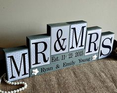 Personalized Mr and Mrs Wedding Sign Wooden Blocks - Wedding Reception Sweet Heart Table Photo Prop - Wedding Gifts Canada - Bridal Shower