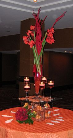 Modern holiday centerpieces by Nature of Design with Janet Flowers