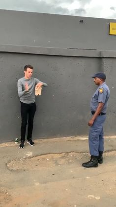 African Memes, African Videos, Stupid Memes, Funny Jokes, Hey Dude, Satisfying Video, Funny Short Videos, Funny Clips, Funny Laugh