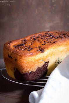 Plumcake al mascarpone variegato al cacao Cacao Powder Benefits, Mascarpone Cake, Plum Cake, Cake & Co, Lemon Recipes, Quick Easy Meals, Caramel, Good Food, Sweets