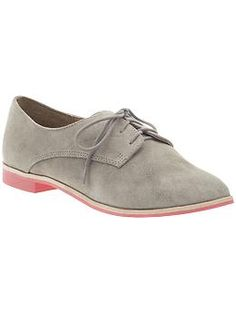 more oxfords with colored soles... i'm not totally won over by the pink, but i do need a good grey pair of shooooooz. and i know some people will looove the pink!