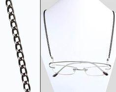 Cordicella a catena per occhiali da vista.