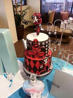 Deadpool Wedding Cake Topper with Stand   Wedding cake   Pinterest     Harley and Deadpool
