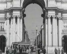 LISBOA. ELÉCTRICO NA RUA AUGUSTA. 1932. | Flickr - Photo Sharing! Lisbon Tram, Arc of Augusta Street ,1932
