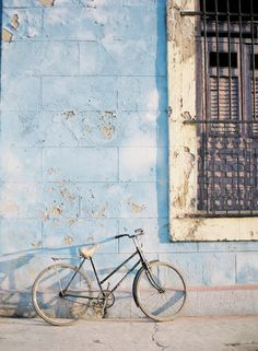 Havana, Cuba by Jose Villa. Jose Villa is basically one of the best photographers ever. Light Blue Aesthetic, Blue Aesthetic Pastel, Photo Wall Collage, Picture Wall, Foto Transfer, Bleu Pastel, Havana Cuba, Blue Walls, Belle Photo