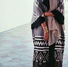 Pinterest: @eighthhorcruxx. Gorgeous Dubai Abaya