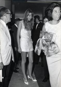 Françoise Hardy love her.