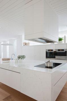 Kitchen, Elegant Kitchen Ideas Taking White as the Main Theme: Inviting Kitchen With White Kitchen Island Theme