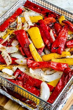 Air Fryer Peppers and Onions close up photo of cooked peppers and onions in air fryer basket Foil Packet Dinners, Foil Dinners, Best Side Dishes, Side Dish Recipes, Oven Roasted Peppers, Grilled Peppers, Grilling Recipes, Cooking Recipes, Atkins Recipes