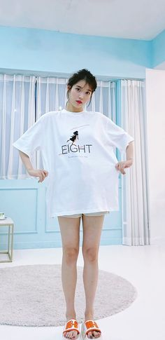Iu Fashion, Pretty Wallpapers, Kpop Girl Groups, Korean Beauty, Korean Actors, Cover Up, Pajamas, Actresses, Poses