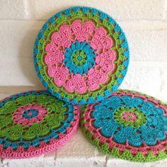 Crochet Heart. Pattern for heart rounds here: http://crochetmillan.bloggplatsen.se/sida-5/. ❤CQ crochet hearts valentines