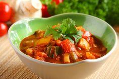Dieta dr Dąbrowskiej – zasady i przykładowy jadłospis. Uroda i Zdrowie - serwis nie tylko dla kobiet! Thai Red Curry, Chili, Salsa, Soup, Mexican, Ethnic Recipes, Diet, Chile, Salsa Music