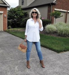 Fifty, not frumpy: classic casual, my way. fifty, not frumpy: classic casual, my way fashion over 40 Stylish Outfits For Women Over 50, Spring Outfits Women, Cool Summer Outfits, Womens Fashion Casual Summer, Over 50 Womens Fashion, Casual Work Outfits, 50 Fashion, Fall Fashion Trends, Fashion Over 40