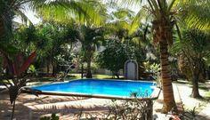 Villa Corazon se encuentra en el pueblo de tulum cuenta con 2 recamaras con 2 baños completos y una cocina completa ideal para parejas o familias.   Link: http://es.tulumrealestate.com/house-for-rent-tulum/villa-corazon-tulum/