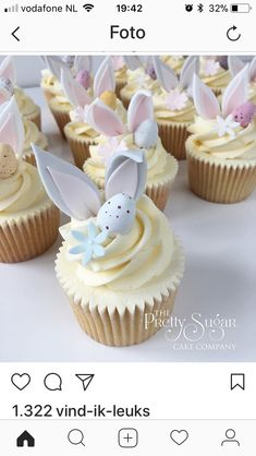 🐰Our bunny cupcakes will be available Thurs - Sat this week Ripponden.eggsellent news yes? Fondant Cupcakes, Yummy Cupcakes, Cupcake Cakes, Easter Bunny Cupcakes, Easter Treats, Cupcakes Lindos, Easter Biscuits, Creative Desserts, Sugar Cake