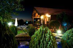 Kombinieren Sie für eine stimmige und helle Atmosphäre im Außenbereich indirektes und direktes Licht miteinander!