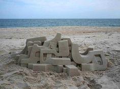 Artista transforma castelos de areia em verdadeiras esculturas