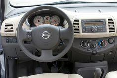 Cockpit: Nissan Micra  als Kleinwagen / Saloon  - 88 PS / 65 kW