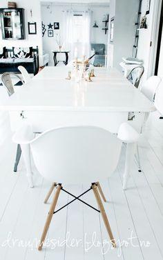 Draumesidene: Vinterlys i kjøkkenet Interior Decorating, Interior Design, Dining Area, Dining Room, White Decor, Interior Inspiration, Interior Architecture, Building A House, White Interiors