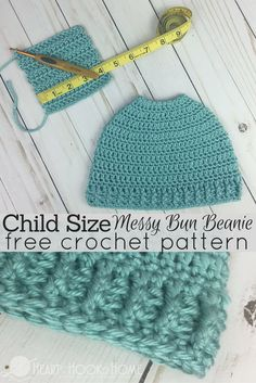 Child Size Messy Bun Beanie Crochet Pattern - - Who would have thought that the Messy Mom Bun Beanie crochet pattern would have been so popular? So we made a child size messy bun pattern - for free! Crochet Kids Hats, Free Crochet, Crochet Headbands, Crochet Beanie, Beanie Pattern, Lana, Crochet Patterns, Hat Patterns, Popular