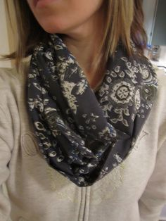 Longing for Home: Infinity Scarf DIY