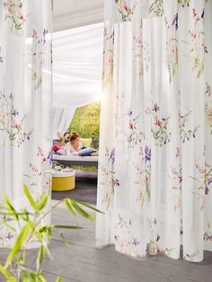 This aromatic, cotton-like voile fabric will take you away to a sunny meadow, with its soft, watercolour flowers and fresh spring colour combination, the digitally printed pattern blooms out of the finely slubbed white fabric, perfect for letting the breeze flow through the house on a warm spring day.