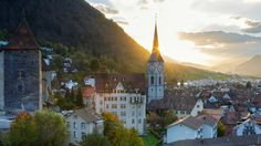 Chur - Switzerland's Alpine city.http://www.pinterest.com/pin/87820261458658442/ แสงแรกในยามเช้าสวยจริงๆ