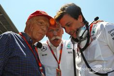 (L to R): Niki Lauda, Mercedes Non-Executive Chairman with Dr. Dieter Zetsche, Daimler AG CEO and Toto Wolff, Mercedes AMG F1 Shareholder and Executive Director on the grid