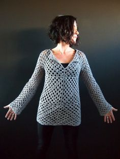VMSom Ⓐ Koppa: she has always great ideas -  simple granny squares crochet sweater (and she shows how to join yarn without tails to weave in!!!!)