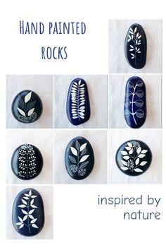 Pebble Painting, Stone Painting, Rock Painting, Hand Painted Rocks, Painted Stones, Rock And Pebbles, Mediterranean Sea, Rock Art, Beautiful Hands