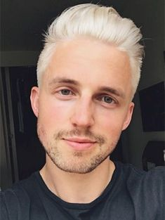 Celebrities who bleached hair in Celebs with platinum blonde/blond hair this year; Pictures of famous men and women with silver white hair Platinum Blonde Hair, Blonde Ombre, Dyed Hair Pastel, Pink Hair, Mens Hair Colour, Hair Color, Blonde Celebrities, Marcus Butler, Bleached Hair