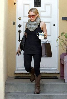 love this style combo, long tank, skinnies and boots with scarf <3
