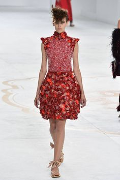 Chanel Paris Haute Couture Fashion Week A/W 2015 Elie Saab Couture, Valentino Couture, Dior Haute Couture, Fashion Week Paris, Runway Fashion, 2016 Fashion Trends, Fashion Week 2015, Fashion Prints, Love Fashion