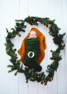 Isn't his Christmas session the cutest. Love me some newborn photography! Newborn Photography, Family Photography, Christmas Wreaths, Christmas Ornaments, Lily, Holiday Decor, Awesome, Board, Cute